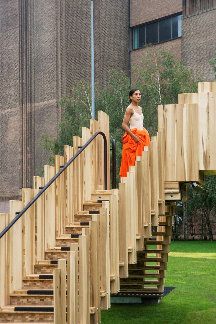 Endless Stair opened at Tate Modern with dancers gracefully exploring the structure. All the project partners were also present to enjoy the climb and admire the view.