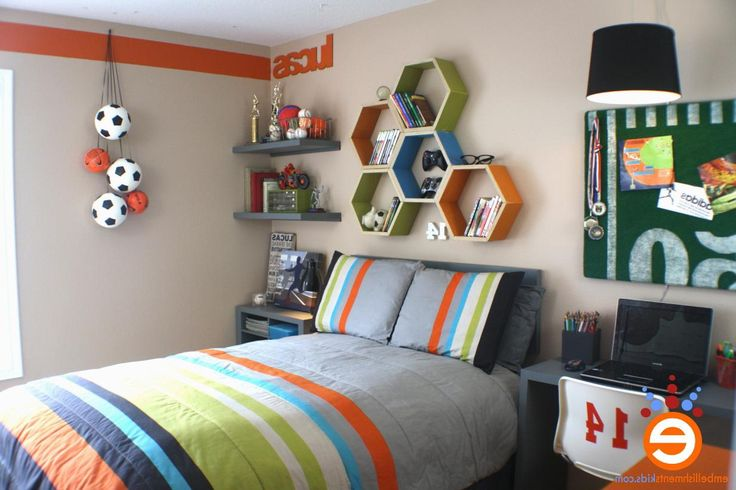 http://scapewallpaper.com/wp-content/uploads/2015/04/Modern-childrens-bedroom-in-soccer-decoration-with-nice-feng-shui-and-colorful-bedcover.jpg