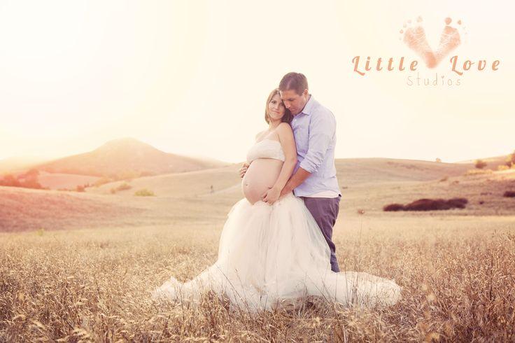 Orange County Maternity Photographer, Riley Wilderness Park, tutu, maternity session, portraits, sun haze, posing