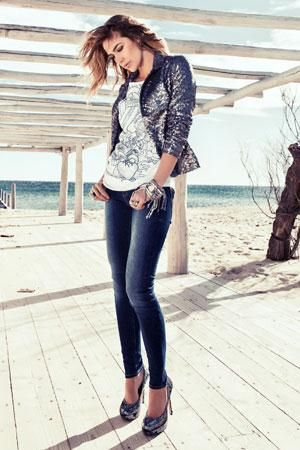 Casual but glamourous by Superstar