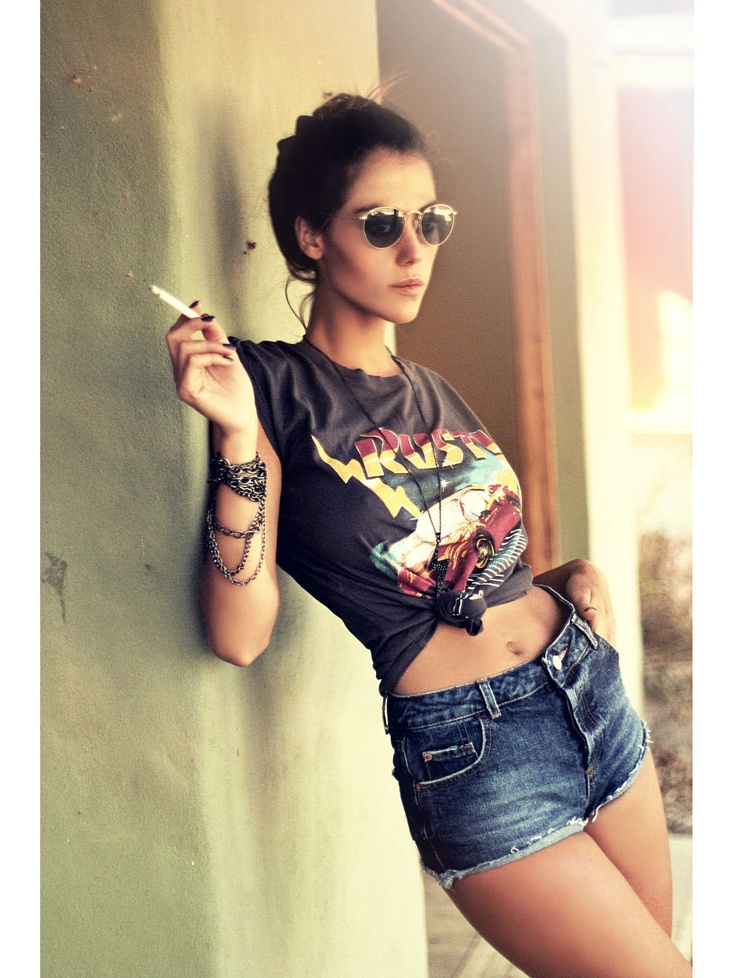 minus the cigarette and the high waisted jeans, unattractive!