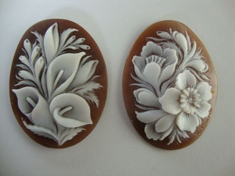 Loose Cameos with flowers, a sample of artistic made in Italy