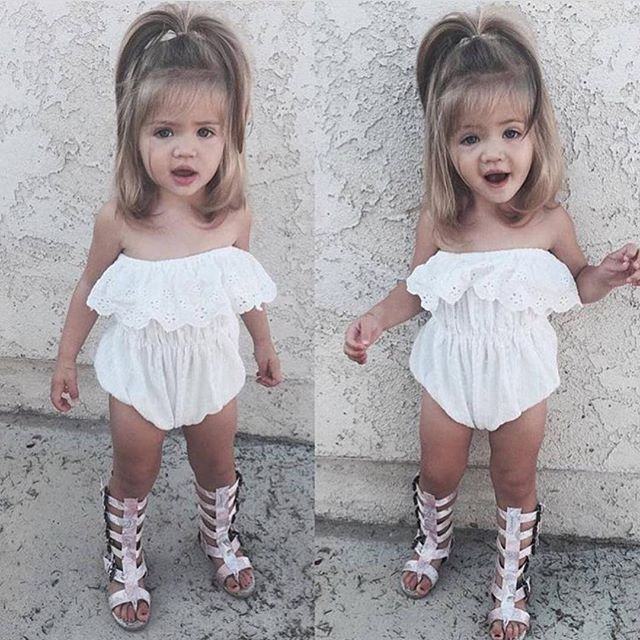 The cutest hair and outfit!