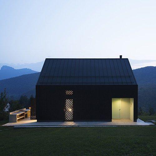 orah kuća i terasa