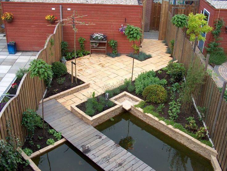 Strakke vijver met schuine lijnen om de tuin te verlengen for Tuinontwerp schuine lijnen