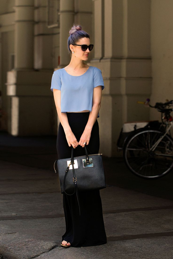 27 Street-Style Shots Of Summertime Radness #refinery29 http://www.refinery29.com/summer-street-style#slide15 Gayle Taliaferro does periwinkle two ways.