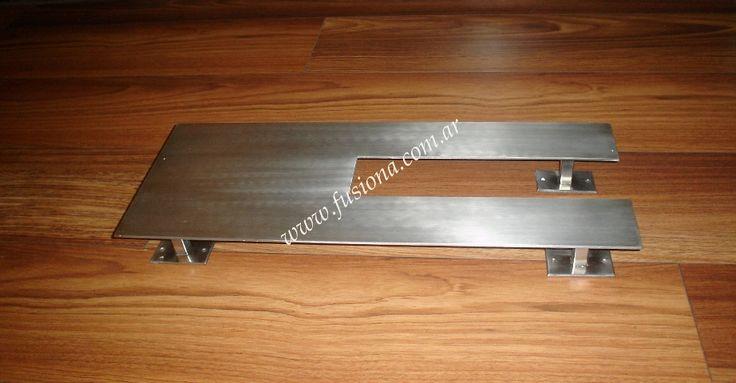 manijon calado moderno de diseño en acero inoxidable