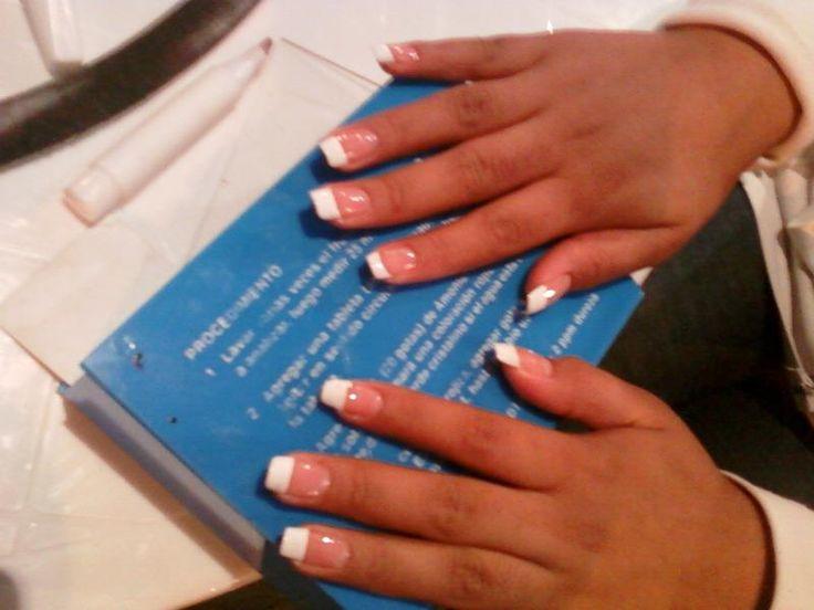 Bella french, con uñas cuadraditas :)