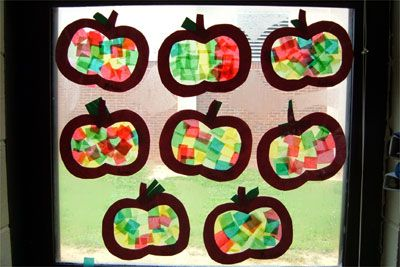 Tissue Paper Apples: For this project, each child will need an apple frame that is stuck onto a piece of clear contact paper. The students stick small tissue paper squares to the contact paper. When they hang in the window they are beautiful! This project can also be done by glueing tissue paper between wax paper and ironing when finished.: Glass Apples, Tissue Paper Apple, Apple Crafts For Kids, Apple Crafts For Kindergarten, Sun Catcher, Apple Art Projects For Kids, Apple Ideas, Apple Activities, Apples Theme