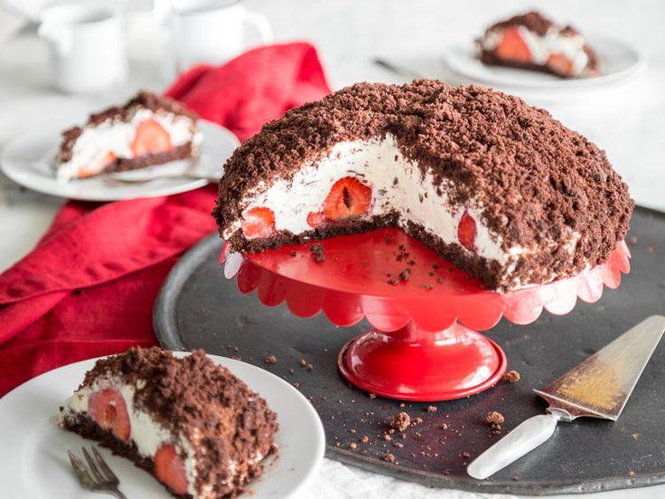 Klassiker in Sommerlaune: Maulwurfkuchen mit Erdbeeren