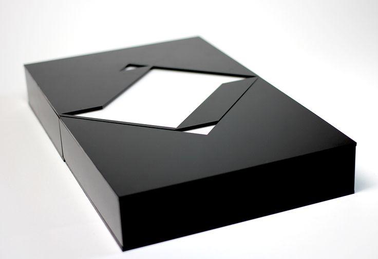 SmokeBuddies Box - touch someone's heart with Design - Sagmeister class. Designed by Sandra Kleinwechter.