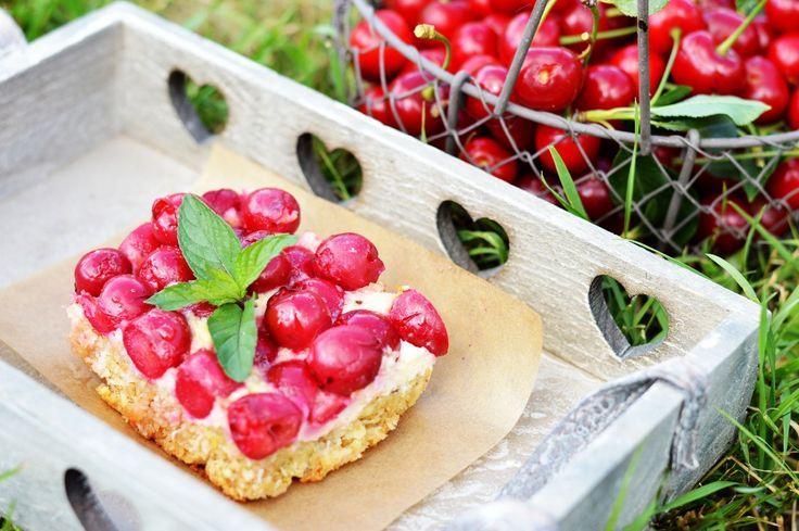 Višňový koláč s tvarohom a kokosom :: Fitrecepty