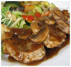 Une autre excellente recette prise chez, Doumdoum se régale , la viande est tendre et la sauce est super. 1 filet de porc, le gras enle...