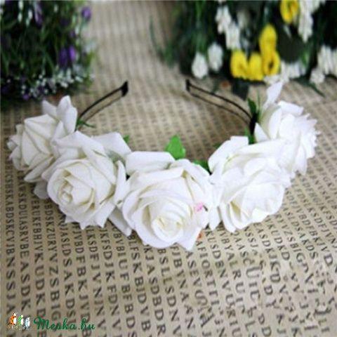 Virágos fesztivál hajpánt fehér, Ruha, divat, cipő, Hajbavaló, Hajpánt, Varrás, Meska