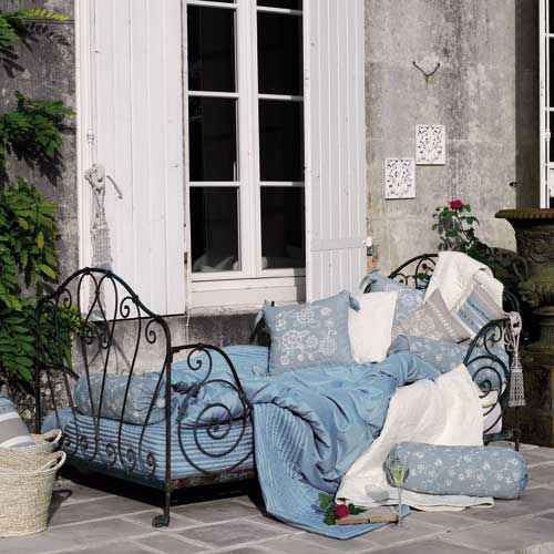 Vintage French Daybed with french bedding....love this look!