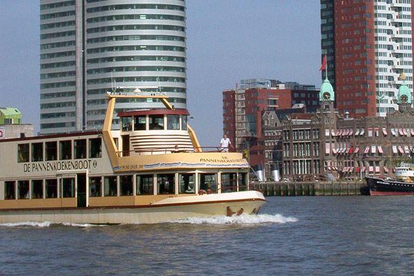 Rondvaren en heerlijke pannenkoeken eten bij Pannenkoekenboot Rotterdam