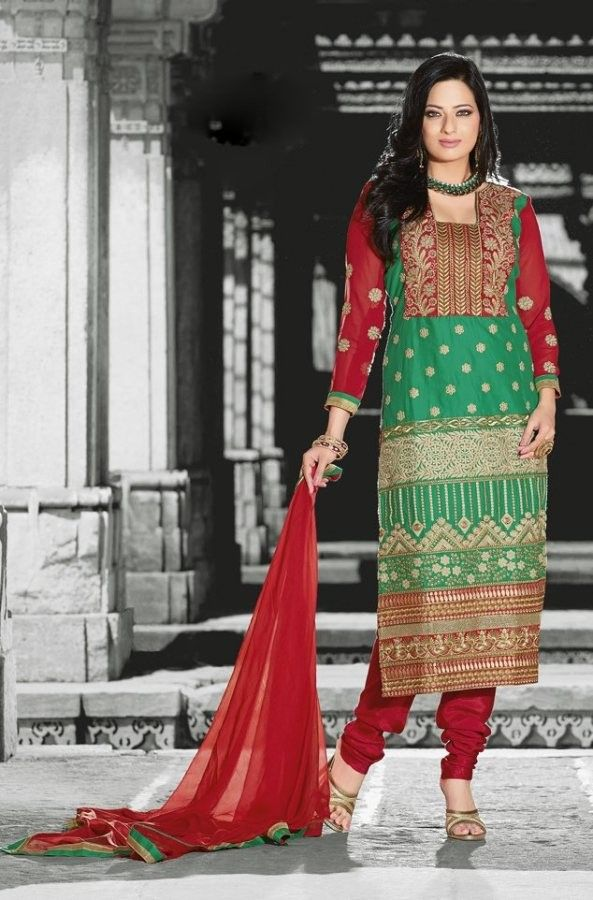#Green & #Red #Cotton #Salwar #Kameez With A Chiffon #Dupatta  #EID #EIDcollection @mokshafashions