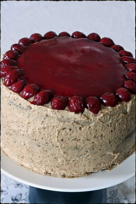 Szofika a konyhában...: Meggyzselés gesztenyetorta / Cherry-chestnut cake