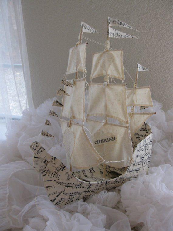 Barco de vela con tres mástiles papel maché hecho por VintageDiana