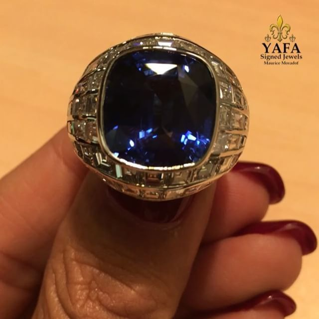 Make a statement with this incredible sapphire and diamond ring! Part of our extensively, carefully selected range of beautiful blue sapphire rings, contact us for details, or browse www.yafasignedjewels.com #yafasignedjewels #authentic #palmbeach #newyork #signedjewelry #vintagejewelry #finejewelry #thebest #forsale #luxury