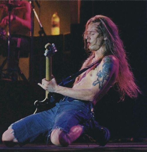 1000 Images About Jerry Cantrell On Pinterest Rigs