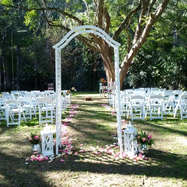 Garden wedding ceremony by Fashionable Society Events