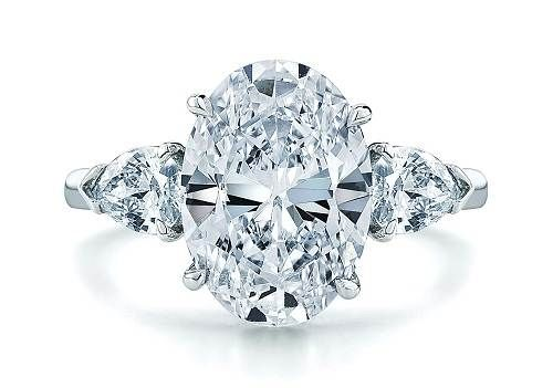 Oval Engagement Ring in Contemporary Ideas