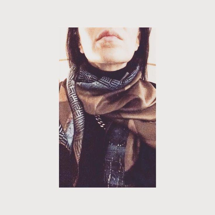 Sunday night details. #HERSE #takingartoutofthemuseums #silkscarf #wearableart #transendentaloddity #soononline #eshopping