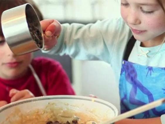 Plätzchen backen mit Kindern - Rezepte und Tipps | LECKER