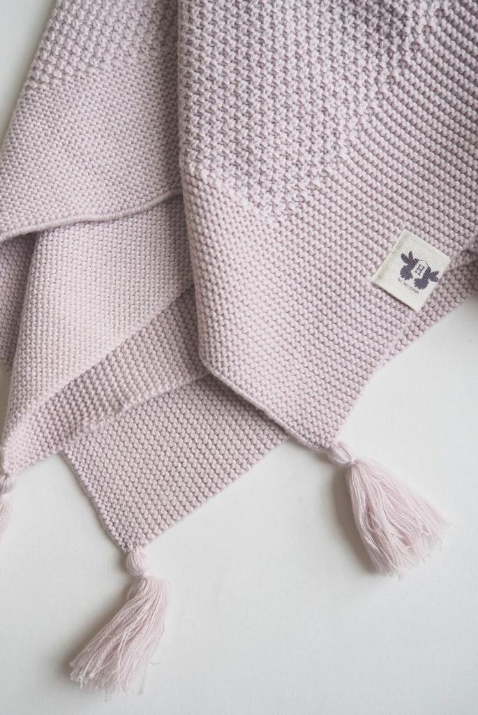 Välkommen till LittleEco - Ekologisk barn och livsstilsbutik.By Heritage - Tyra knitted blanket Pink