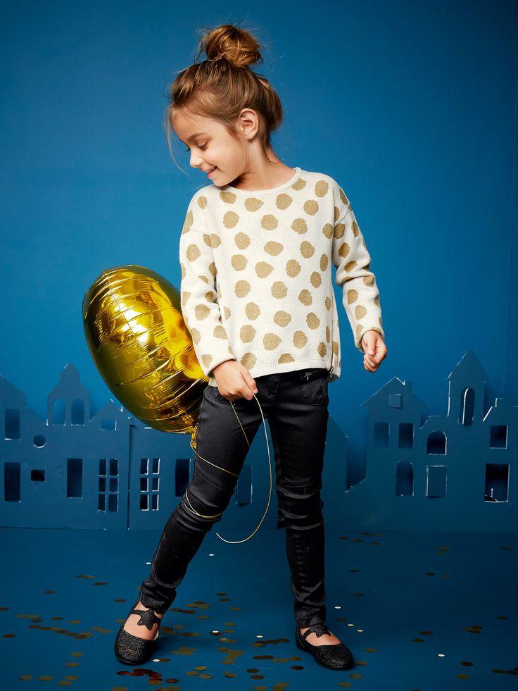 Pull fille à pois blanc cassé imprimé - De jolis pois, une maille agréable à porter, des zips tendance... Parfait pour avoir du style !   Collection Automne-Hiver 2016 - www.vertbaudet.fr