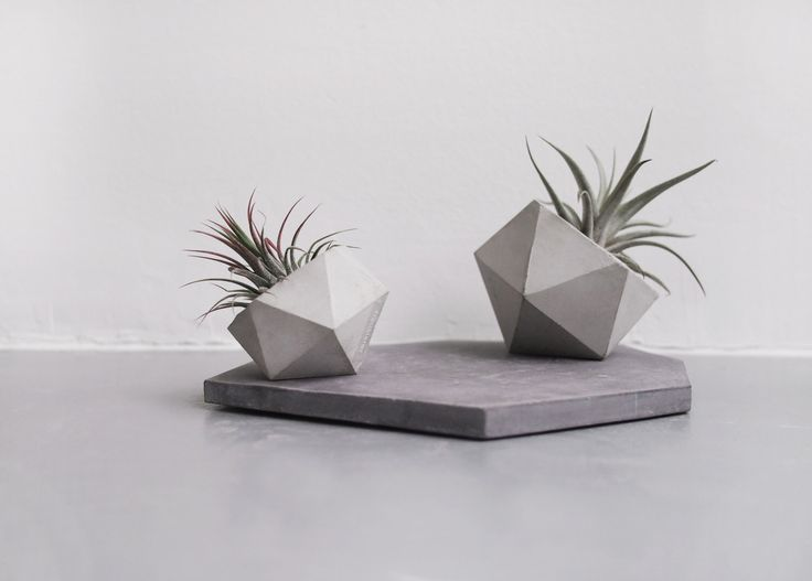 Frauklarer icosahedron planter, medium concrete planter, handmade cachepot…
