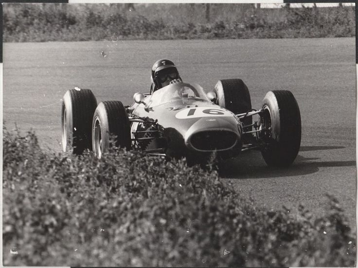 DAN GURNEY BRABHAM BT11 DUTCH GP ZANDVOORT 1965 F1 ORIGINAL PERIOD PHOTOGRAPH