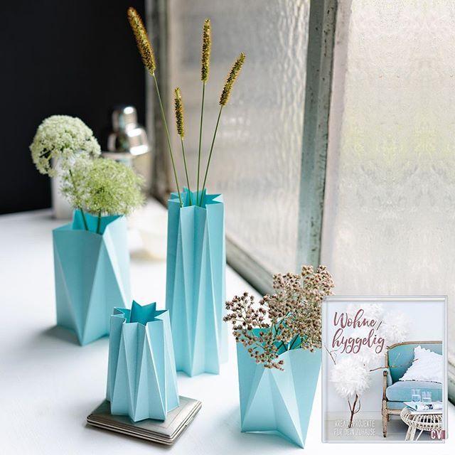 Schön Wohn Deko, Die Glücklich Macht! Filigrane Faltvasen, Gefüllt Mit Frischen  Blumen Bringen Ein Stückchen Hygge Lebensgefühl Ins Haus.