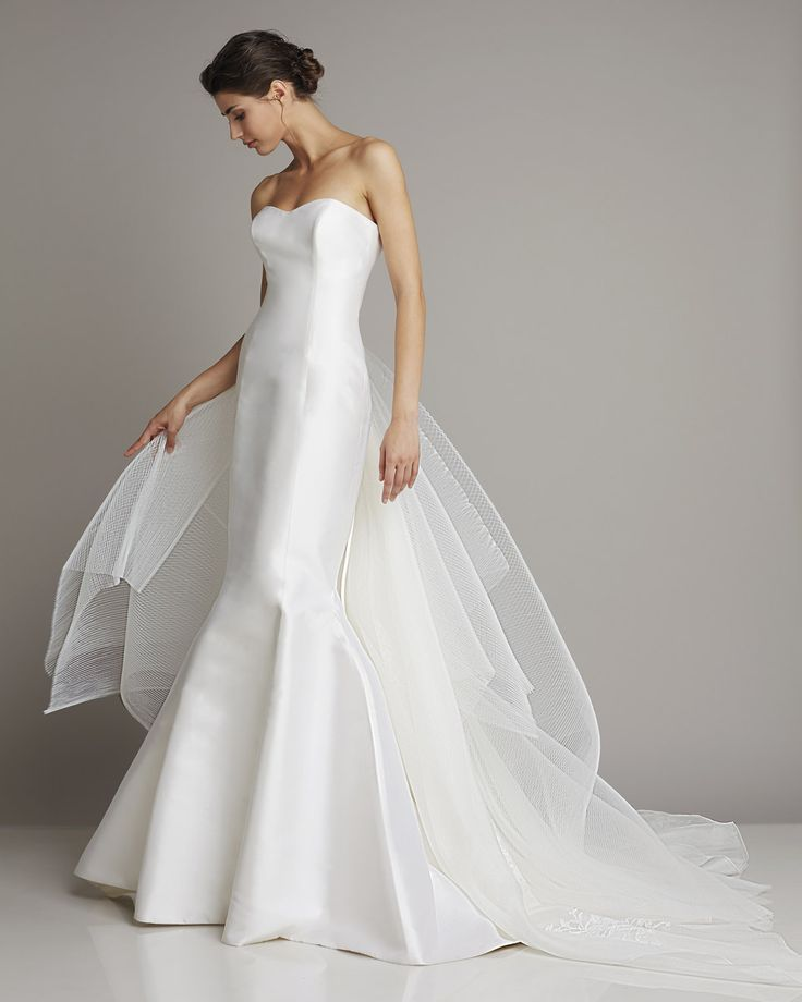 Silk mikado mermaid with detachable train layering pleated tulle, organdis and embroidery www.giuseppepapini.com