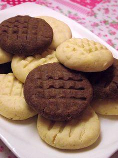 Már több helyen találkoztam a pudingos keksszel, de valamiért sosem éreztem késztetést arra, hogy elkészítsem. Ám vizsgaidőszak kellős köze...