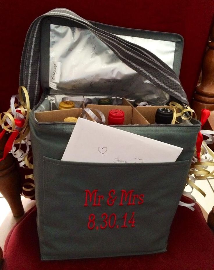 awesome idea the picnic thermal tote used as a wedding gift