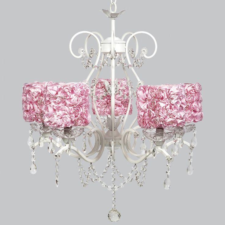 Meisjes kroonluchters met roze bekleding — Ministerie van Binnenlandse Zaken Decoration | Ministerie van Binnenlandse Zaken Decoration