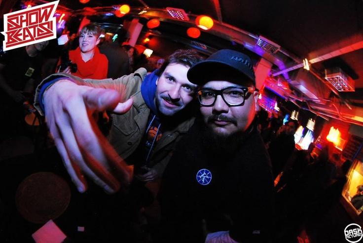 "Leo Herrmann y Carlos ""Astro"" Rodríguez en Mix Master Mike."