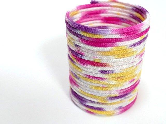 ロープをぐるぐる巻くだけで簡単に作れる「ロープバスケット」。 ちょっとしたアクセサリーや小物入れにオススメです! ロープを好きな色に染めて作れば、よりオリジナルなアイテムに変身します! 好きな色・好きな大きさ・好きな形のバスケットを手作りしてみませんか?