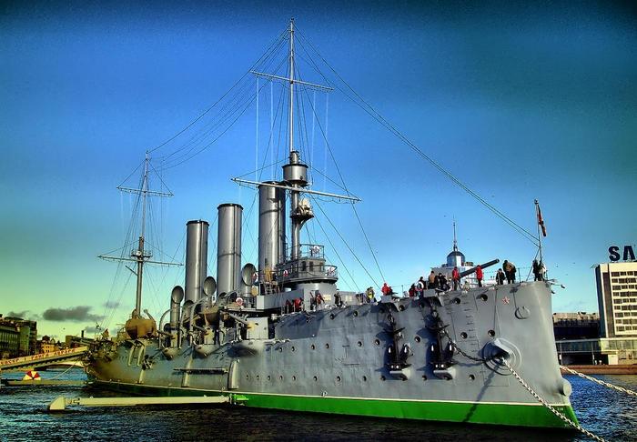 Cultura Bolchevique: El Crucero Aurora seguirá siendo buque de la armada rusa