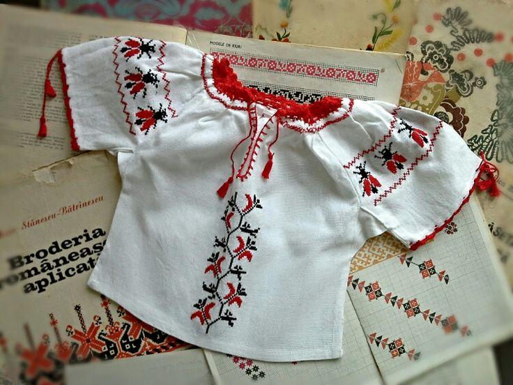 Ie pentru fetite bebelusi (80 LEI la Caterine.breslo.ro)