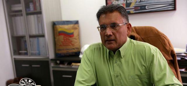 """Ministerio de Industrias Básicas prevé crear 10 mil nuevos puestos de trabajo El ministro Juan Arias dijo que usarán la plataforma """"Plan Chamba Juvenil"""" para la inserción laboral"""
