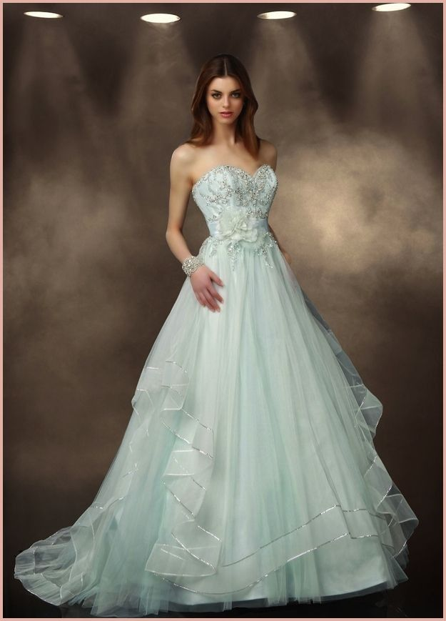 12 Amazing Mint Dresses For Wedding To Try Out Colored Wedding Gowns Green Wedding Dresses Impression Wedding Dress
