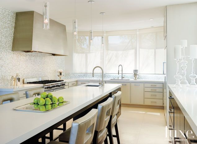 Best Light And Bright Modern Kitchen With Images 640 x 480