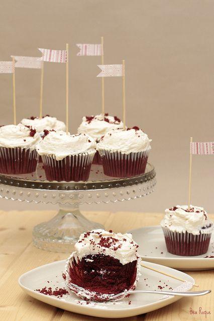 Cupcakes de terciopelo rojo – Red velvet cupcakes                                                                                                                                                                                 Más