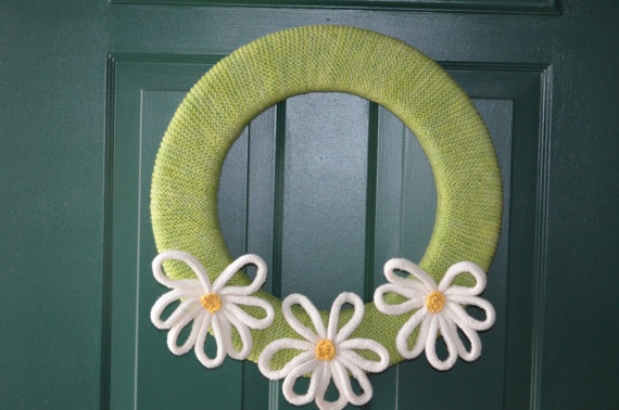 Daisy Wreath Knitting Pattern PDF by BrownieKnits on Etsy, $2.99