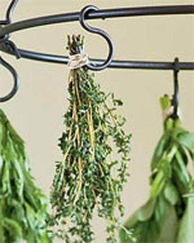 Preserving Herbs: Preserves Herbs, Hooks, Dry Techniques, Herbs Dry, Herbs Gardens, Hanging Herbs, Gardens Herbs, Food Preserves, Gardens Growing