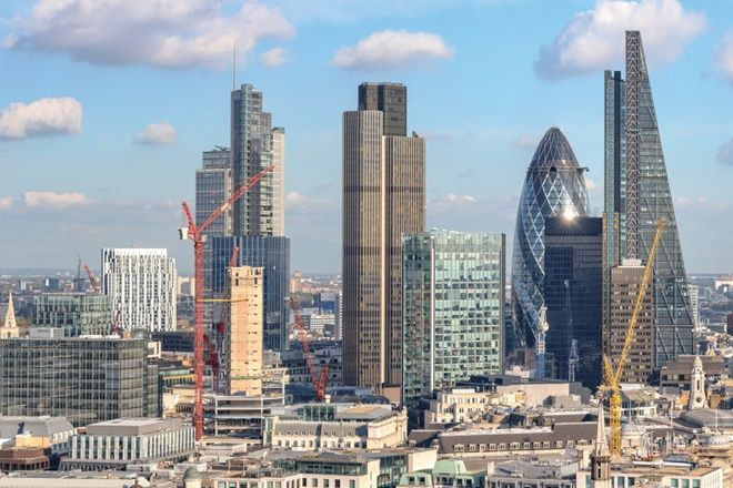 Why #UK could be a hot #realestate #destination for #Indians after #Brexit? Check out: http://www.financialexpress.com/article/personal-finance/brexit-to-open-opportunities-for-indians-to-invest-in-real-estate-in-uk/295804/