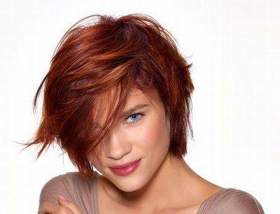 coupe courte cheveux bouclés visage ovale